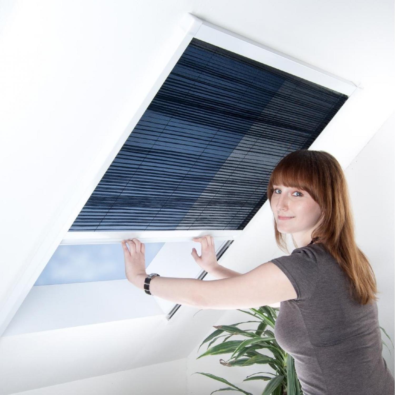 plissee f r dachfenster 110 x 160 cm wei sonderan. Black Bedroom Furniture Sets. Home Design Ideas